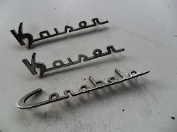 Insignias antiguas de Kaiser Carabela